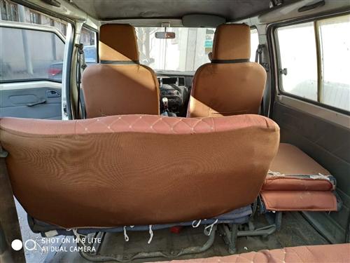 2010年的车,闲置半年的五菱之光出售,有意电话联系,电瓶新的,轮胎9成新!!8座!保险到2月份,大...