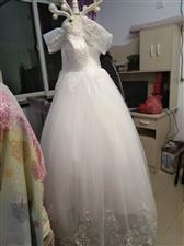 婚纱对外出租,就结婚穿过一次,胖美女们可以联系,价格好说