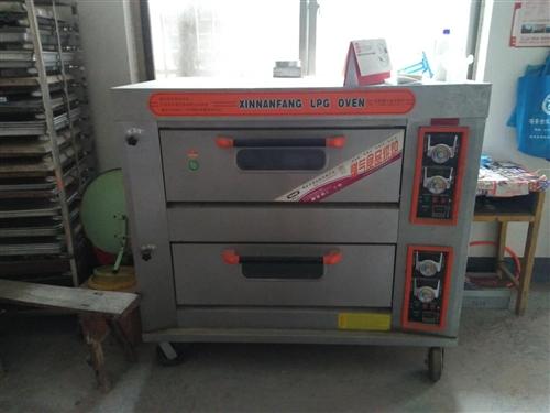 新南方燃气食品烘炉,烤盘,烤盘架,厨房冰箱<内置钢管,新的>食品搅拌机等。如有需要的,请联系,价格面...