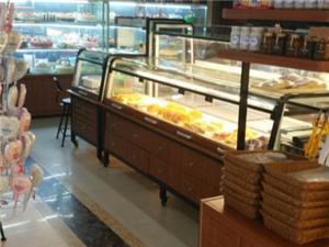 临泉名典西饼屋