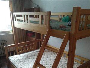 因搬家处理,全实木,买了时候不多,买的时候9000多,按家具的备用螺丝都在,年后搬家,现在低价处理 ...