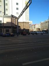 锦江宾馆门口政府便民车位,为什么会被占?