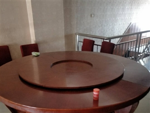 出售:饭店二手桌椅,长条桌8个(大理石面方钢腿),园桌8个(实木面和大理石面分别可坐6-16人),1...