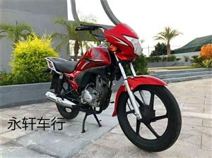 出售本田金锋锐摩托车,九九成新,买了没怎么骑,现在买小车了,想诚心出售。只骑了五六百公里,车是纯黑色...