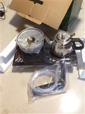 玉鹭茶具  全新,双电磁炉 自动抽水配不锈钢水壶。地址在德星弄这边。