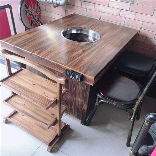 出售九成新火锅用具、实木电磁炉桌、切肉机、四门冰柜等等