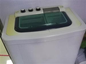 小鸭洗衣机,没怎么用,一直放着了,200元自提