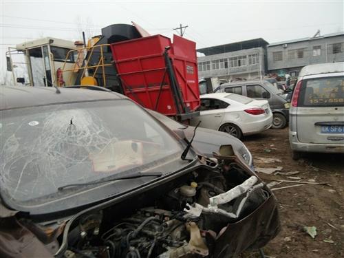 长年高价回收报废汽车农用车电瓶车摩托车各种废铁电话18726533083