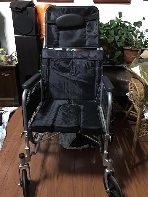 全新轮椅出售 车轮不用打气的 可以折叠 可以坐着方便 轮椅自带便盆 大方舒适 靠背可以拆卸 带刹车 ...