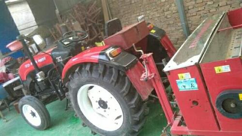 出售,洛阳瑞得400拖拉机一台,带小麦播种机一个,拖拉机9成新,小麦播种机是农哈哈牌的,。