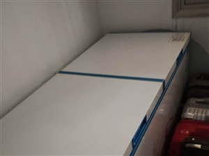 本人有一台冰柜转让,有九成新。有需要朋友请联系13735927970