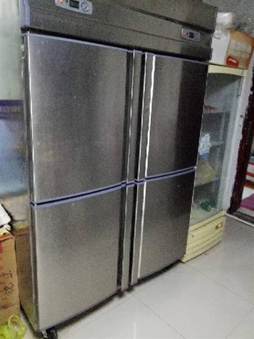 餐具转让,本人因门面到期,现在餐馆转让,有冰箱桌子椅子,保温箱,制冰机等。