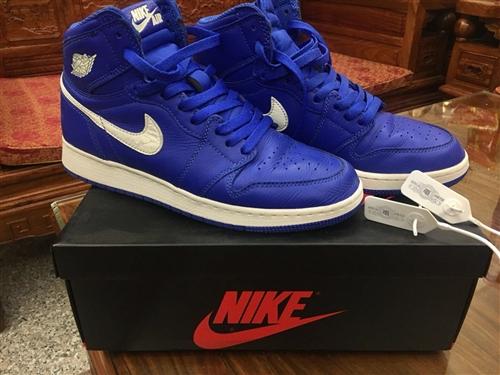 正品皇族藍 Air Jordan 1 40碼 (25cm) AJ1買了差不多兩個月,是我的第一雙A...