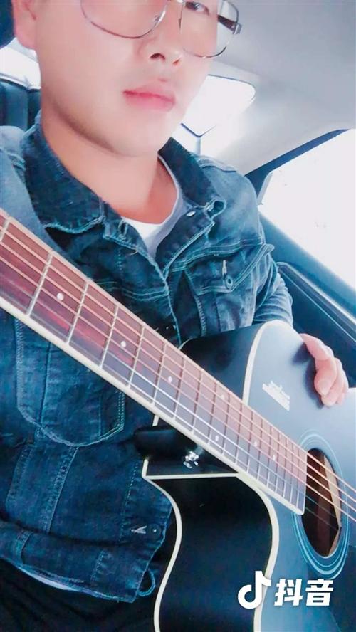 吉他,买了几个月。就用过几次,买的时候500块,现在只要200块