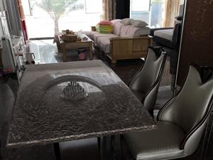 建水九成新转角沙发、餐桌