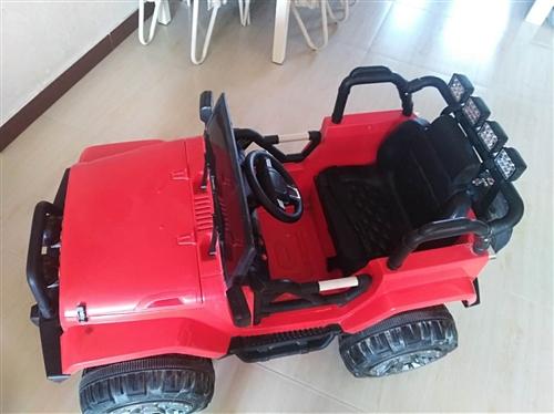 电动玩具车适合2-5岁小朋友玩,就用了不到3次,车子新新的,遥控器齐全,新的买回来1000多块,...