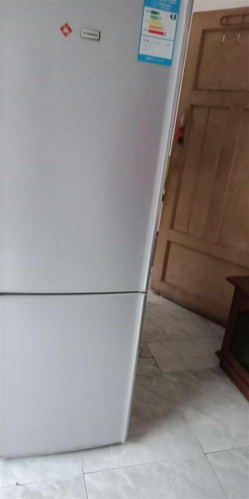 出售电冰箱一台,成色好,没买多久,由于没有地方放