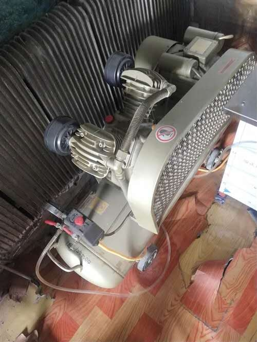 出售上海牌2.2气泵,嘎嘎新,一点都没怎么用,价格合理!澳门太阳城网站看货有心情联系我电话:150452199...