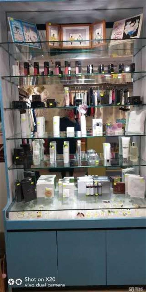 精品店柜子出售    180元一个  四个一组拿有优惠   可用 精品店  杂货铺  化妆品店  饰...