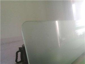 �k公桌,桌子,椅子,低�r�D�
