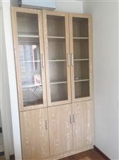 西西里公寓4室 1厅 1卫1500元/月