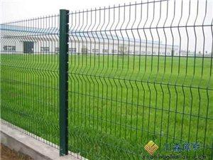 出售各类型号铁丝网、围栏、护栏