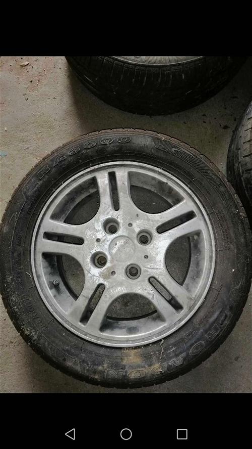 14寸铝合金轮毂,4*108孔距法系车,还有2个4*108孔距钢圈,一个50,4*114.3孔距4个...