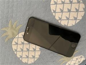 帮我发个消息自用iPhone 8黑色64G出售还有iPhone6s金色 16G 带盒子充电器耳机价格...