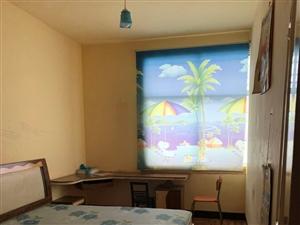 三中小区5室 2厅 2卫1000元/月