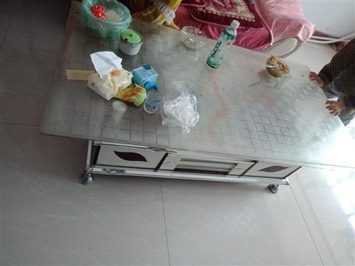 处理二手沙发一套,茶几,白菜价,有需要的联系