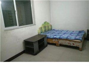 卢野村慕山路1室 1厅 1卫350元/月
