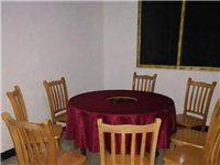 直径1.2m的大圆桌火锅桌,配套八把椅子!价格面议,地址湄潭县西河镇附近!需要的联系我