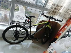 美利达公爵700山地自行车 九成新 闲置在家,有购买发票。  有配件。