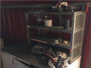 食品小推车,八成新,放锅炉放一年没有用落的灰。大轮子,方便推拉