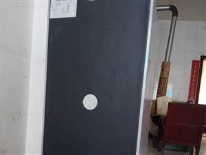 二手冰箱,9成新,容积143,低价出售