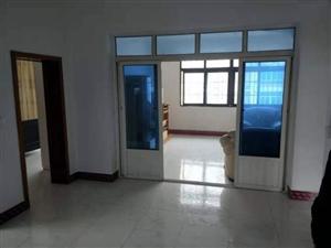 三中小区4室 2厅 1卫1000元/月