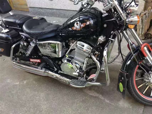 本人出售台大地鹰王250双缸摩托车,年审保险到2019年6月份,车况8成新,无事故,里程5000公里...