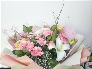 承接各种花束、婚庆、节日现场布置、