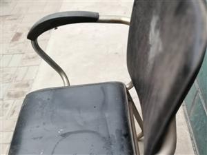 有椅子四个价格面议