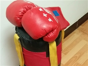沙袋拳套低价