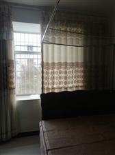 东方市民族中学3室 2厅 1卫1800元/月