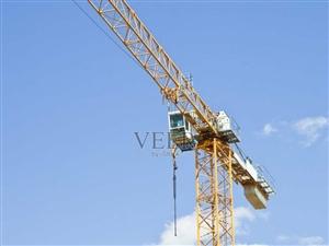 各种型号旧塔吊节废塔吊机械