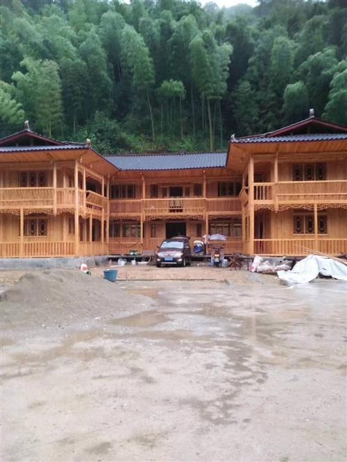 专业定做各种全新杉木房屋。价格好商量。?#34892;?#35201;联系我。