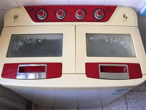 二手洗衣机,半自动,双桶,无故障,用了一年,想换成全自动的。县城政府旁边小区,限自提,谢谢。