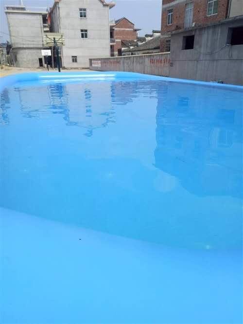充气式游泳池,长15m宽7m高0.8m,整体105平,因个人另外发展,故低价转让。另外送自配游泳设备...
