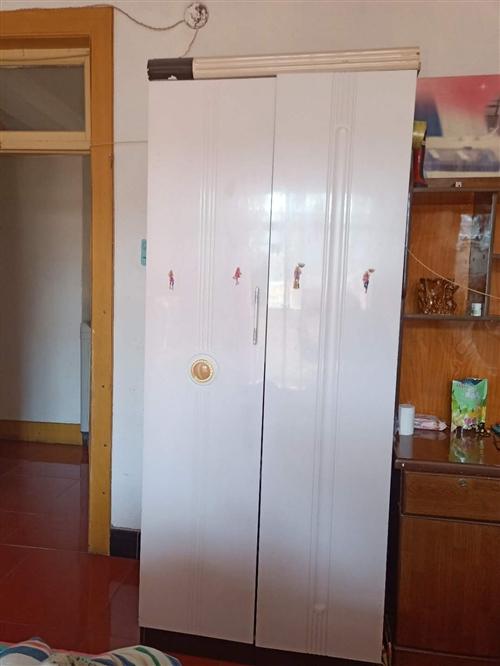 两个单人衣柜。7成新,
