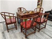 茶桌8成新,老榆木一套,5椅一桌,因店面转让,优价转让整套茶桌,价格美丽,欢迎议价