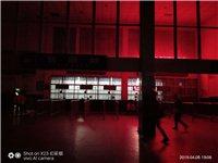 进贤火车站售票大厅不开灯太暗