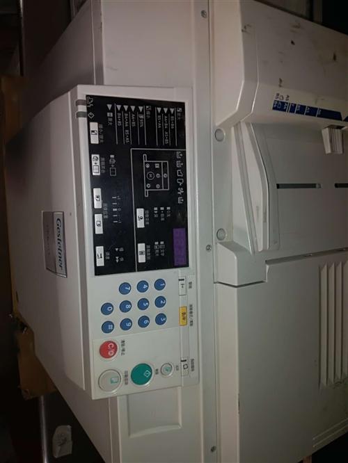 本厂专业生产数码印刷一体机版纸油墨,同时有一批检测版纸用的一体机下线,成色新。价格是新机器的1/5。...