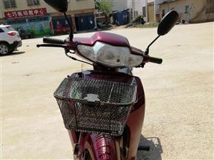本人有一辆翰阳之星摩托车,才买三个月9.5成新   跑了两千多公里,现因买了车,买时3500 现在诚...